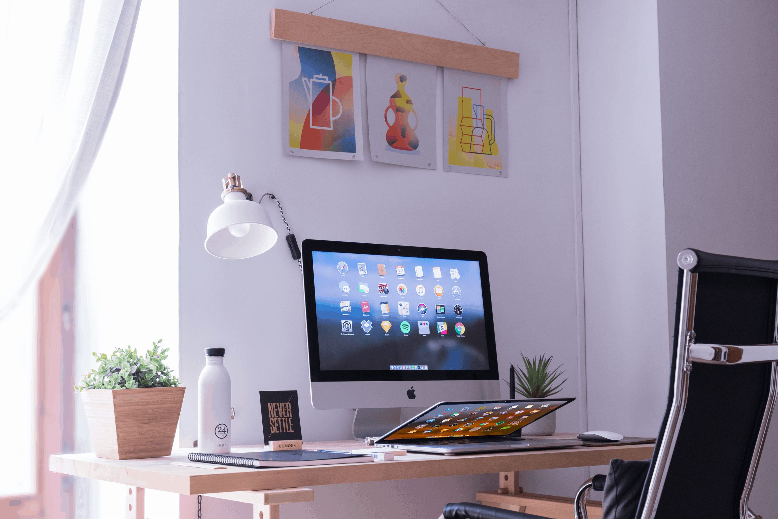 Computer desk photo for productivity article